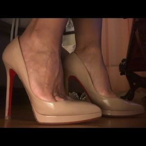 Authentic Christian Louboutin So Kate pumps